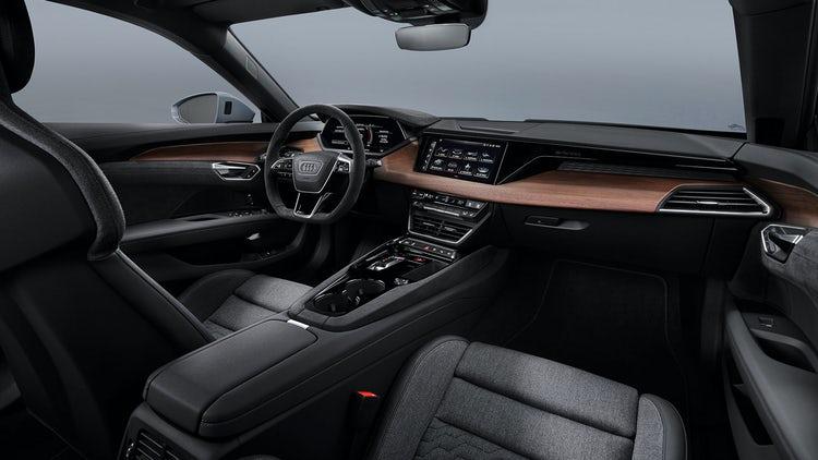 e-tron GT interior